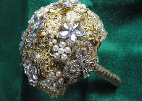 Impressive Gold Brooch Bridal Bouquet | Baroque Bridal