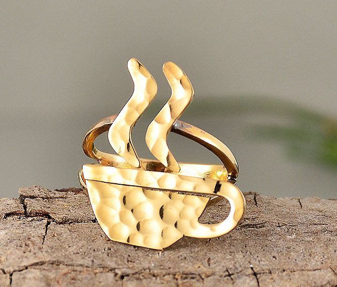 Gold hammered ring, unique shape ring, tumbaga jewelry, ring finger, coffee ring, coffee lover gift, women simple ring, creative jewelry by ColorLatinoJewelry on Etsy