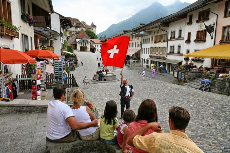 Vendredi, c'est le 1er août et qui dit 1er août dit Fête nationale suisse. En plus d'être un jour férié, c'est avant tout une occasion de passer un bon moment en famille ou entre amis. On peut aussi profiter du 1er août pour découvrir de belles traditions, comme la légende des chèvres à Gruyères.