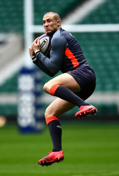 Mike Brown Photos Photos - Mike Brown of England catches the ball during an England training session on the eve of their RBS 6 Nations match against Italy at Twickenham Stadium on February 25, 2017 in London, England. - England Training Session