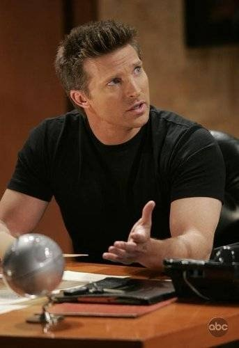Steve Burton....oh how I miss him on GH.  My Favorite Soap Character!