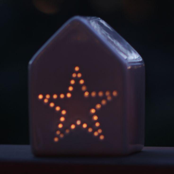 Fyrfadsstage fra Bloomingville, Hus med udstandset stjerne, Cool Grey - SPAR 30 kr.