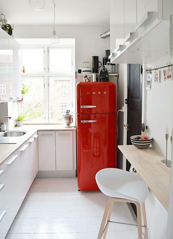 küchenideen esstisch platzsparend roter kühlschrank