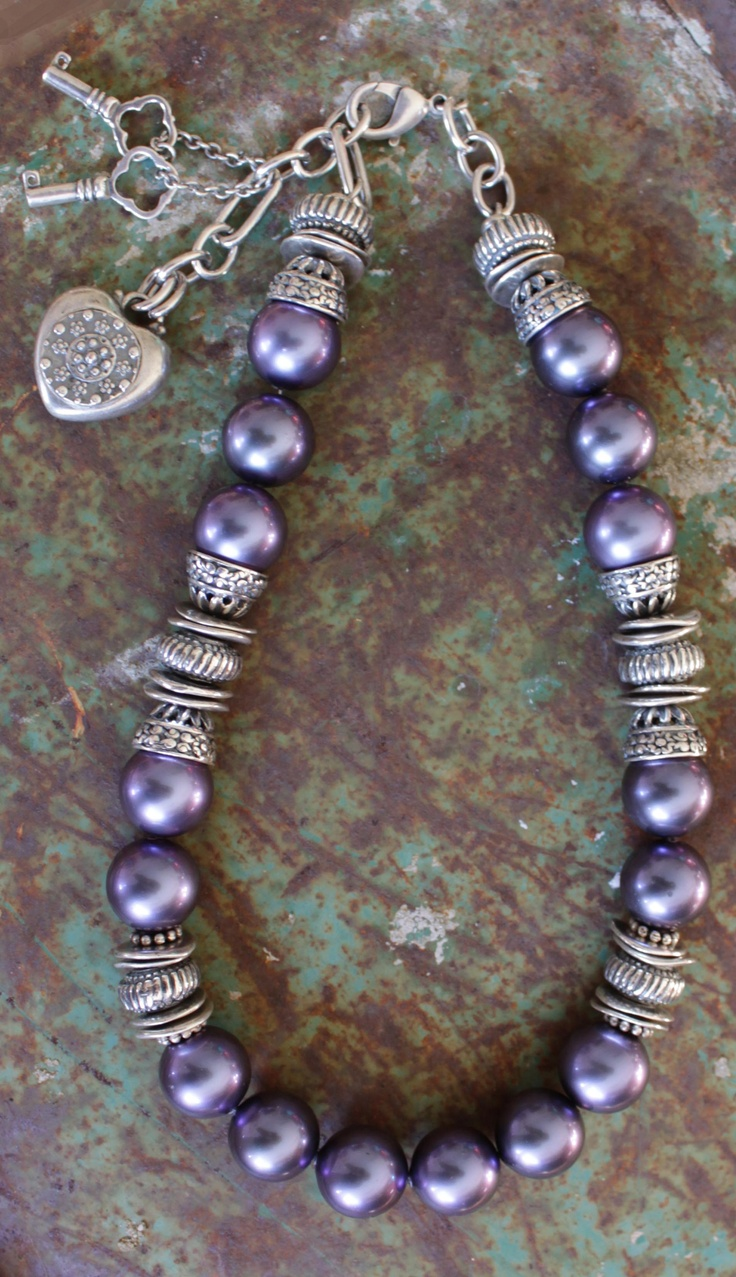 N1391 Lustrous Tanzanite Pearl Necklace Dotted With A Gorgeous Array Of  Burnished Silver Rings Finished