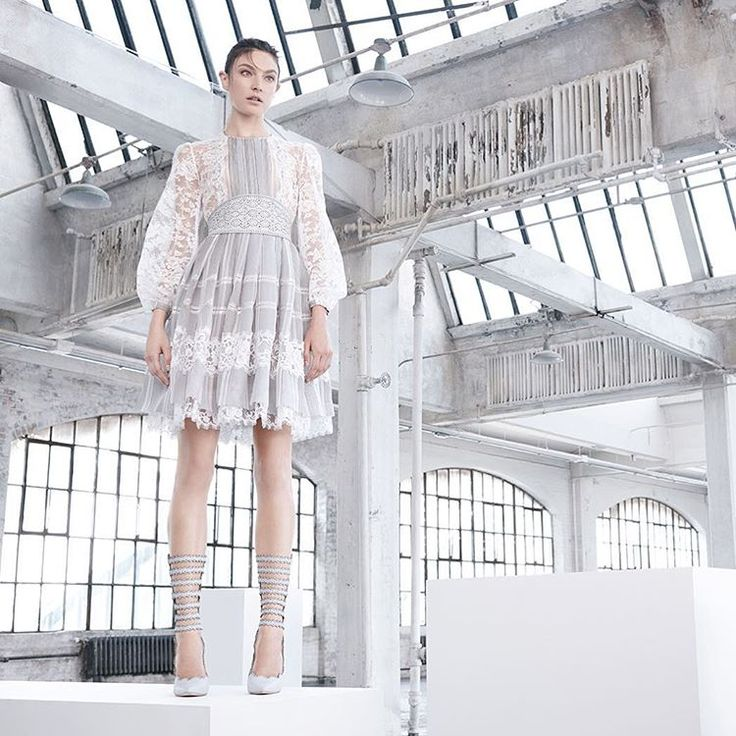 """6,795 curtidas, 175 comentários - ZIMMERMANN (@zimmermann) no Instagram: """"Havoc: The ticking lace dress and other new arrivals have landed instore and online.…"""""""
