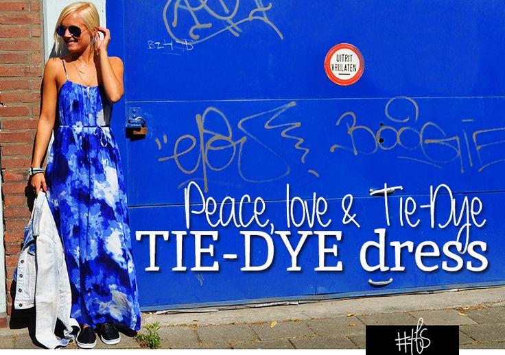 #TFS TIE-DYE DRESS Peace, love & tie-dye.  Als je denkt aan de hippietijd, denk je aan kleding met felle kleuren en cirkelvormige patronen, lang, sluik haar, ronde zonnebrillen, peacetekens en die waanzinnige flare jeans. De tie-dye (of batik) techniek zag je een jaar of tien geleden al terug in het modebeeld en is ook nu weer terug van weggeweest. Read the full story on www.thefullstory.nl
