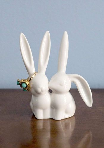 Hare and Now Ring Holder - From the Plus Size Fashion Community at www.DecoandBloom.com
