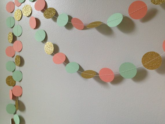This listing is for one garland that is approximately 10 feet long (always slightly longer). It is made with 1.5 inch or 2 inch circles that are hand