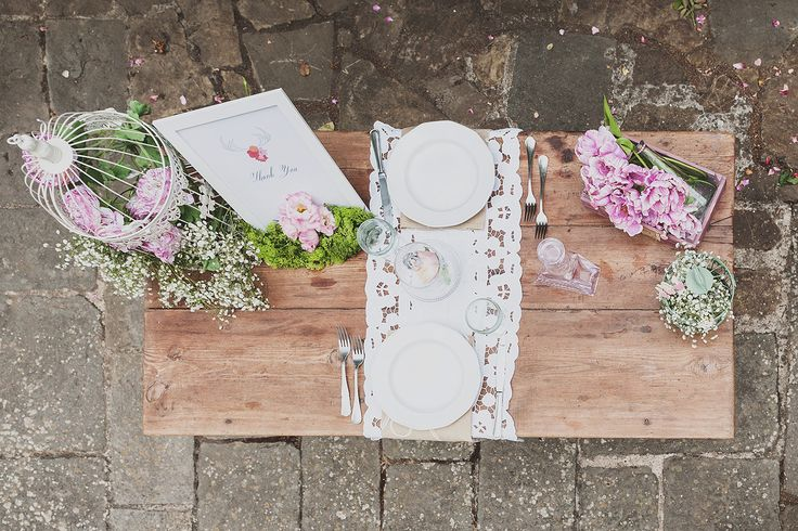 wedding table set up. romantic wedding decor. rustic wedding table details. pink wedding flowers decor @wedinflorence http://wedinflorence.com/