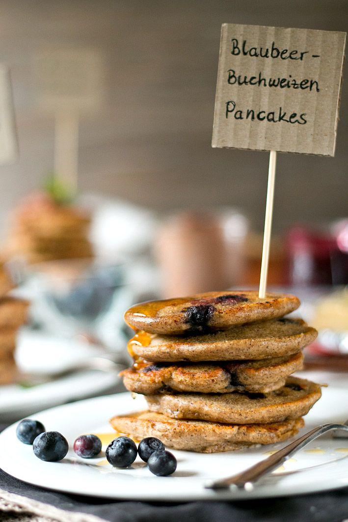 Rezept für Buchweizen-Pancakes mit Blaubeeren.