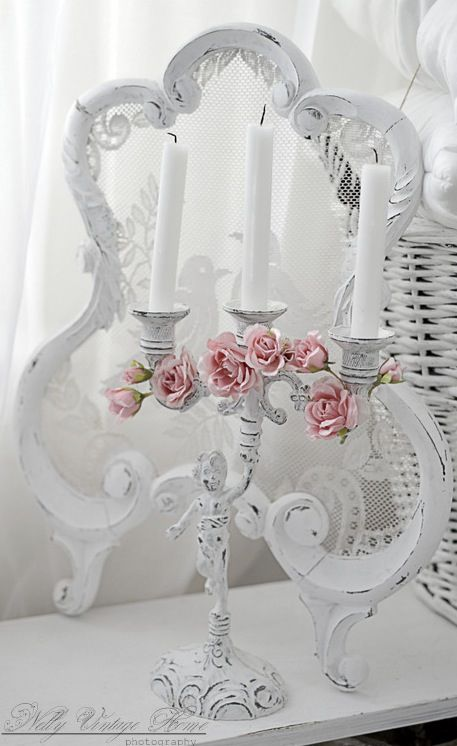 Shabby candelabra with #pink roses.