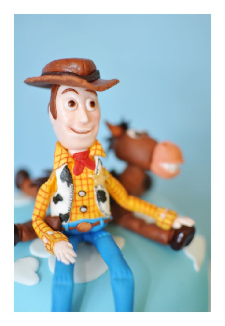 Toy Story Gum : Best mickey minnie fondant cake images on pinterest