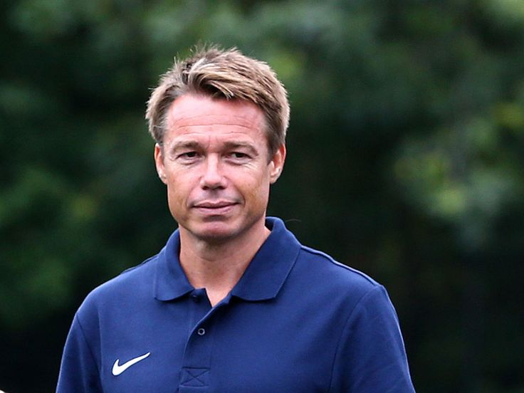 Graeme Le Saux expected to help consult FA with England manager selection process