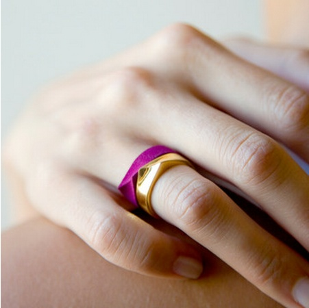 violet and gold rings