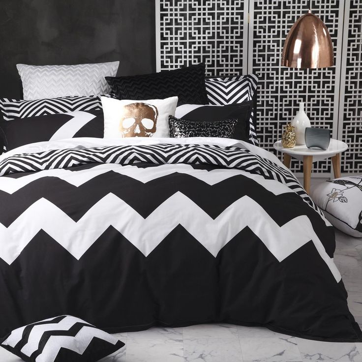 Marley Black Duvet Cover Set by Logan and Mason - Queenb