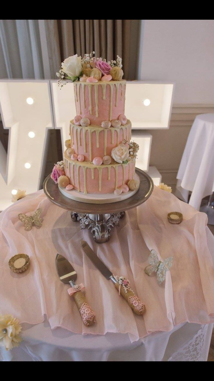 The perfect drip wedding cake #blush