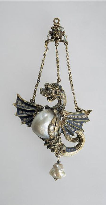 Pendant of winged dragon, 16th century, Spain, baroque pearls, gold, enamel, Height: 11.5 cm. Paris, musée du Louvre