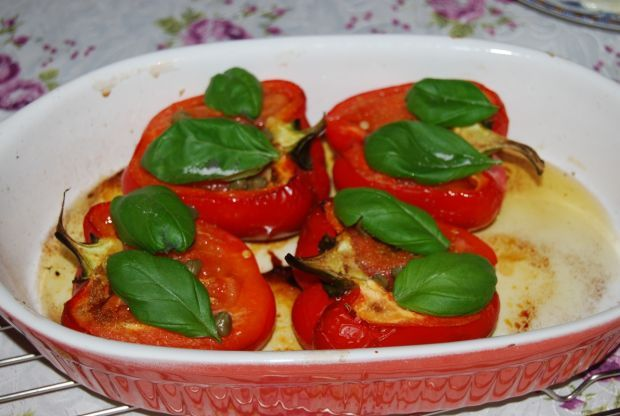Papryka zapiekana z pomidorami i czosnkiem. Niebo w gębie!