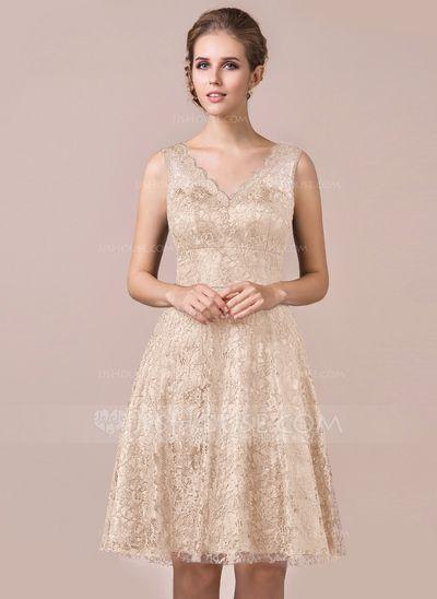 A-Line/Princess V-neck Knee-Length Lace Bridesmaid Dress (007056564)