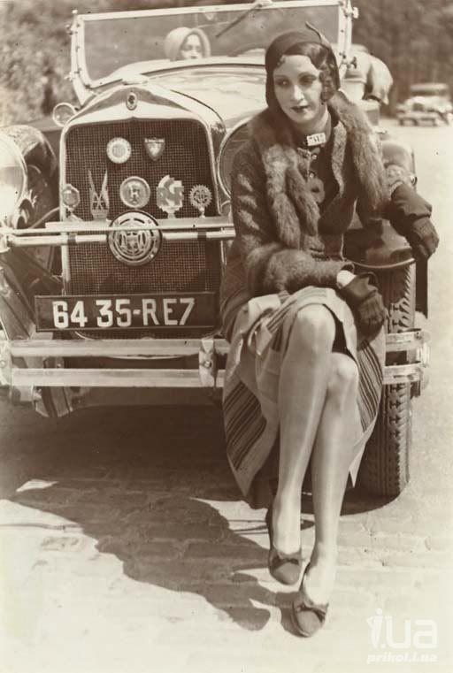 Jacques Henri Latigue captures Renee Perle