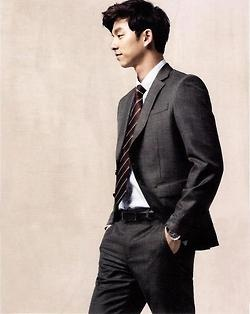 gong yoo in a suit = the best