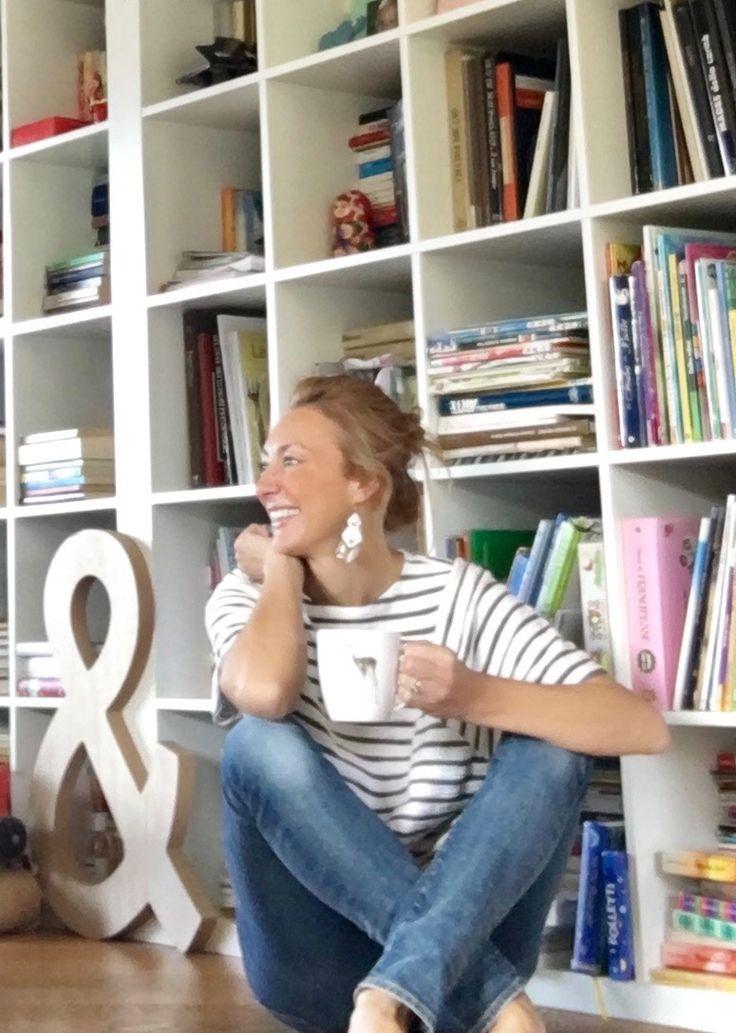 Mi chiamo Alessandra Mazzoleni e questo blog, è l'insieme di idee, che definiscono il mio stile personale di casa. E' uno stile istintivo, che viaggia sul filo del recupero, non seguo le mode&#823…