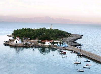Kranai Island - Gytheio Mani Laconia Greece  - Elaionas Studios Apartments Gytheio Greece -   Contact: Stavropoulos Evangelos -   Tel. +30-27330-21512 Mobile. +30-697-3788697 -   www.elaionas-studios.gr  info@elaionas-studios.gr