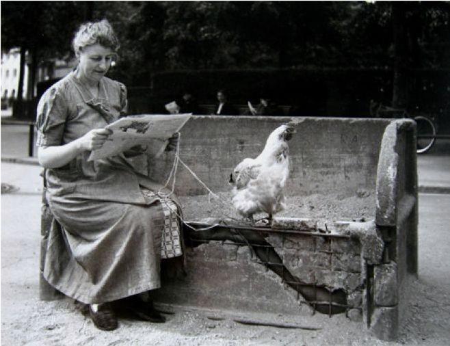Robert Doisneau   Chicken on Leash, Paris   1940