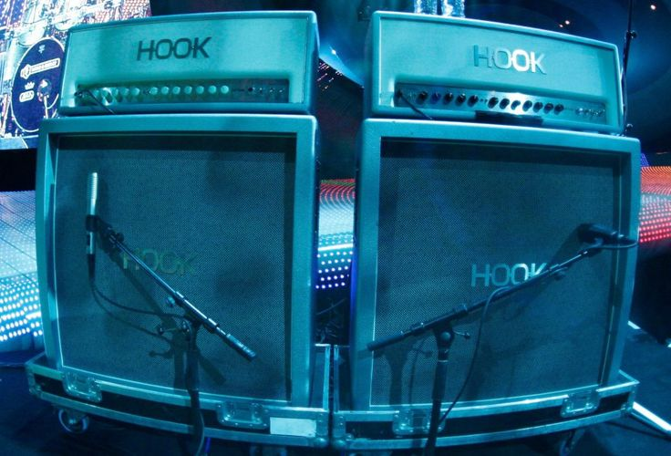 Hook amps