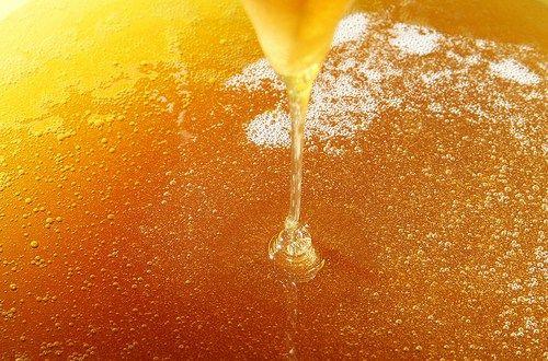 Un remède avec du miel comme un antibiotique puissant