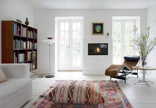 decor for-the-homeDecor, Families Home, Livingroom, Interiors, Living Room, Danishes Design, Kilim Rugs, Pendants Lights, White Wall