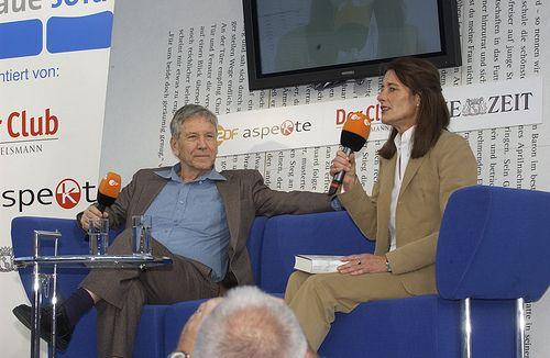 Amos Oz im Gespräch mit Marita Hübinger