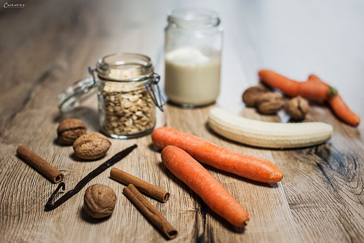 Smoothie Rezept für Karottensmoothie. Schmeckt wie Karottenkuchen im Glas. Ist gesund und ein schnelles Power Frühstück.