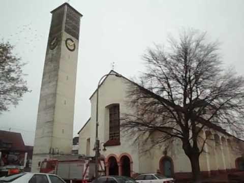 """#Kirche #Hl. #Dreifaltigkeit  #Saarlouis #Fraulautern  (Glocke 1)  #Saarland #Link #zur #Webseite #der Kirche:  INFO`S #UEBER #DIE GLOCKEN:  --- #GLOCKE 1(""""Heiligste Dreifaltigkeit"""") --- Schlagton: B° Gewicht: 3300 #kg Durchmesser: Ø 172 #cm Material: #Bronze Glockengiesserei: #Glockengiesserei """"Otto"""" #in #Saarlouis Gussjahr: 1954  --- #GLOCKE 2 (""""Heilige #Maria, Koenigin #des Himmels #und #der Erde"""")--- Schlagton: D Gewicht: 1600 #kg Durchmesser: Ø 136 #cm Material: #Bron"""