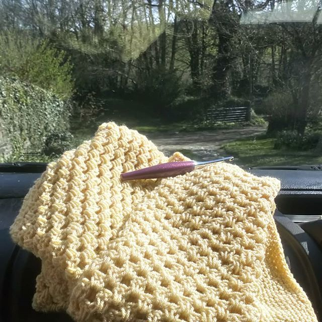 I took my @furlscrochet hook and my Tulip Sweater on a countryside adventure today. So nice to feel the sun on my face again.  #kernowdesigns #furlscrochet #stylecraftspecialdk #crochet #crochetlove #crochetersofinsta #crochetersofinstagram