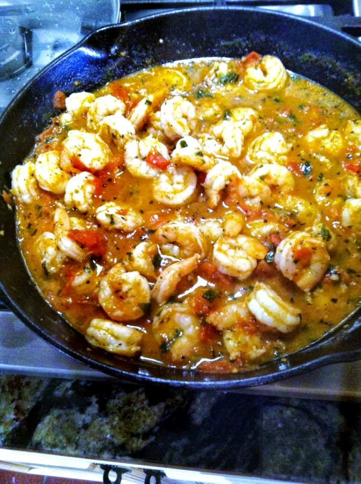 Tomato Basil Shrimp and Grits from Menu Musings of a Modern American Mom: Scroll down below the Tomato Basil Chicken instructions and there is TOMATO BASIL SHRIMP AND GRITS!