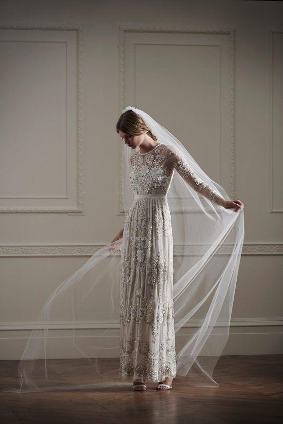 297754864348 Net-a-Porter dévoile une collection capsule réalisée par la marque Needle    Thread sur son site de mode de luxe en ligne. Les robes de mariées sont ...