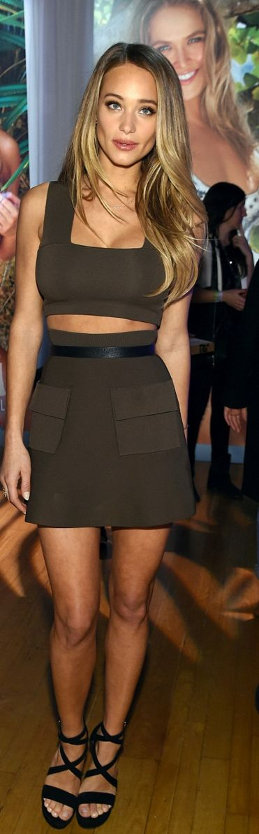 Who made Hannah Davis' brown crop top and mini skirt?