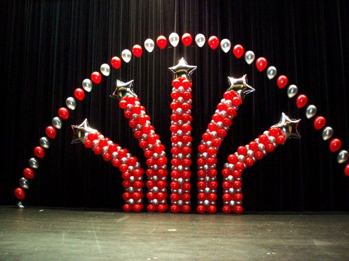17 best ideas about red party decorations on pinterest for Balloon decoration graduation