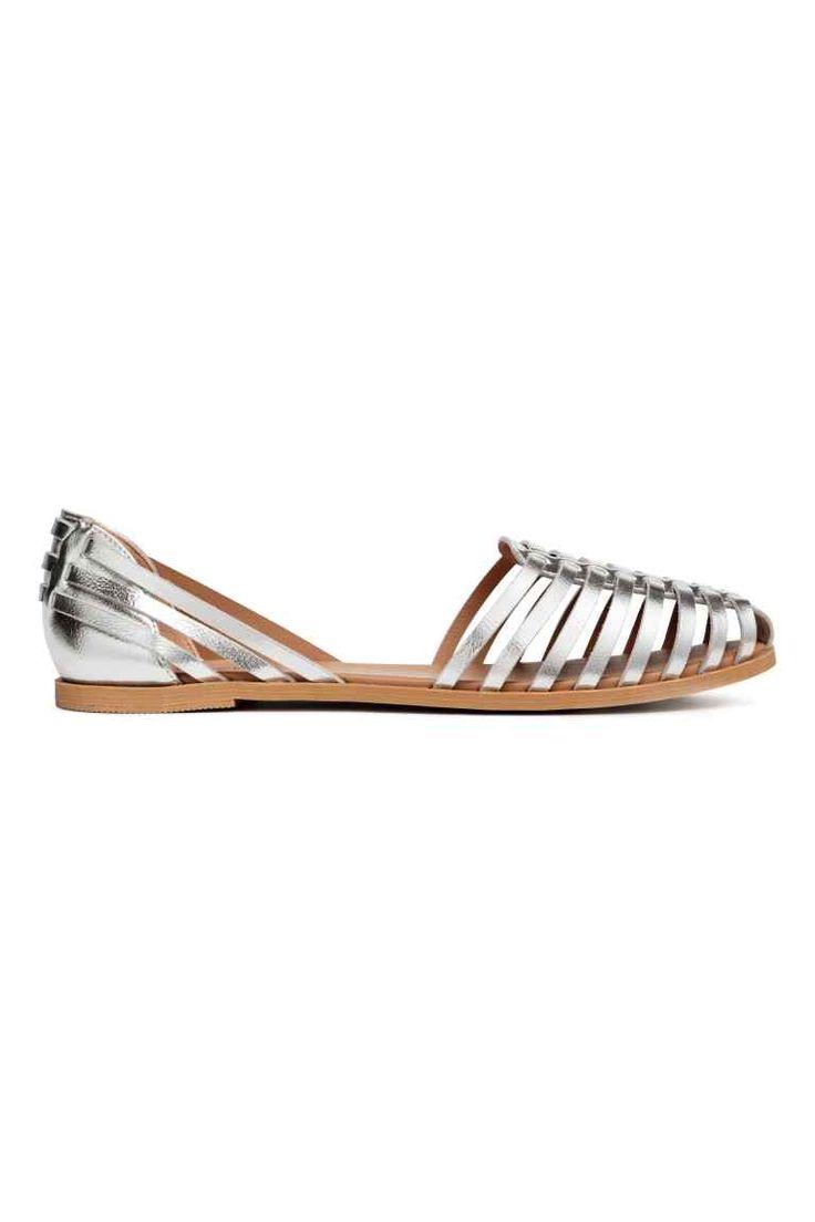 Плетеные сандалии - Серебристый - Женщины | H&M RU