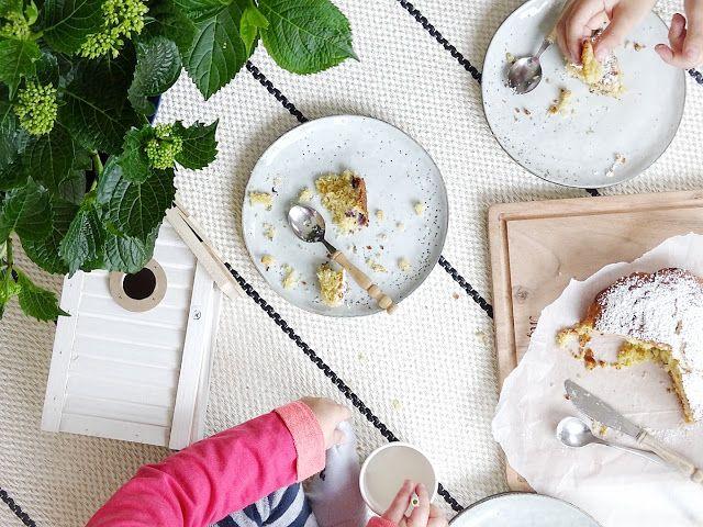 Fluffiger Vanillekuchen mit Blaubeeren & Indoor-Picknick   http://mammilade.blogspot.de   Personal Lifestyle, DIY and Interior Blog