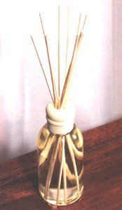 Juicy Orange Retired Yankee Candle Reed Diffuser . $19.99