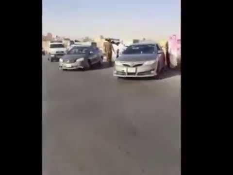 لحظة مداهمة شرطة الرياض للدرباويه والمفحطين والقبض عليهم