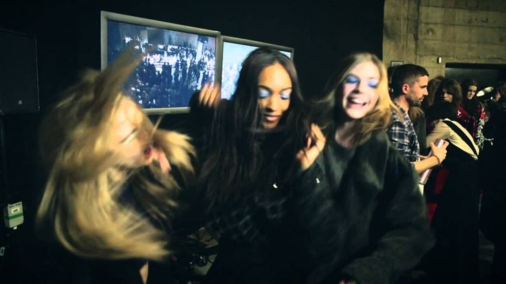 Harlem Shake - Supermodels Cara, Rosie and Jourdan backstage at Topshop Unique AW13 this is why i love them