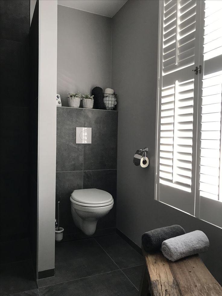 25 beste idee n over wc decoratie op pinterest toiletruimte kleine halve badkamers en for Moderne wc decoratie