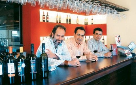 Super team Tetramythos Winery