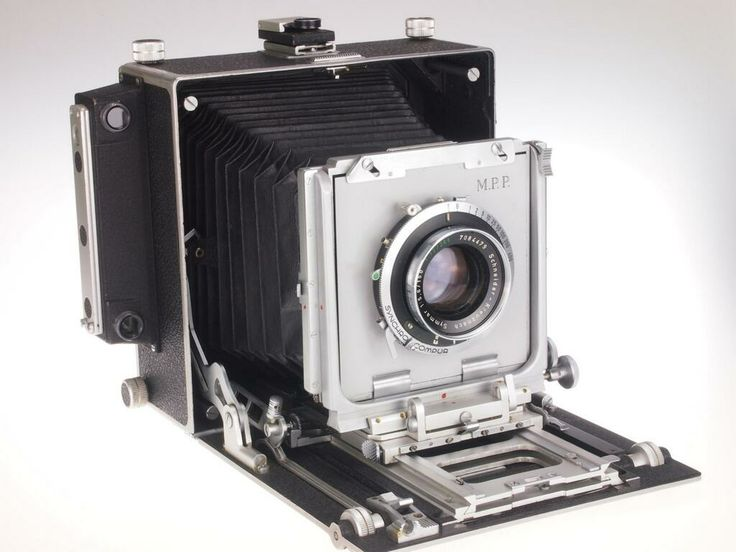 English-made MPP Micro-technical camera dating from 1960s with Schneider  lens