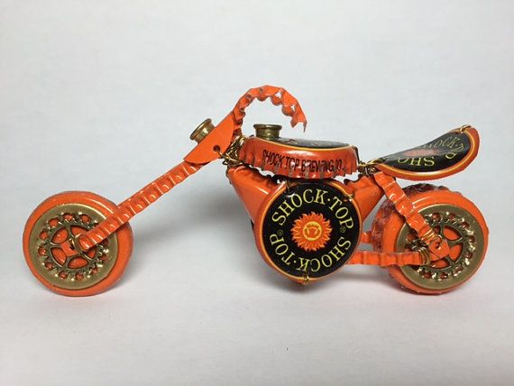 BOTELLA tapa moto bicicleta  reciclado gorras  Arte Metal