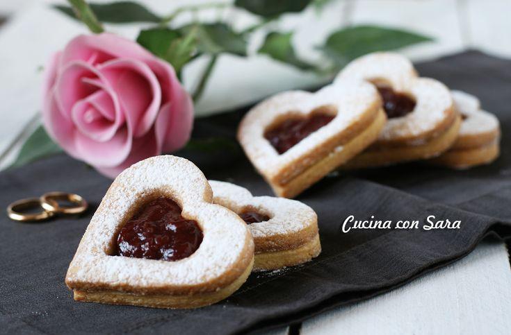 Biscotti San Valentino - romantici cuori di pasta frolla