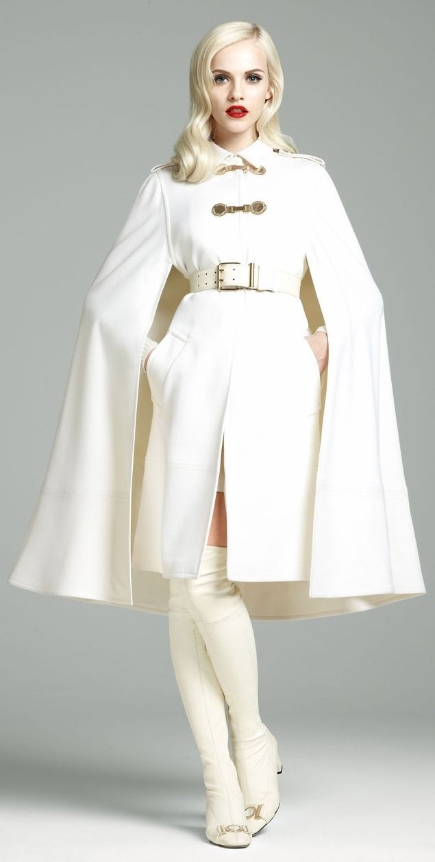 #Versace FW 2012-2013 #Trend Cape fabulous !!!!!!!!! Love every piece of this…
